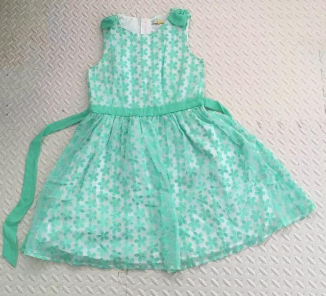 捐赠balabala小魔仙品牌服装男女儿童装8套